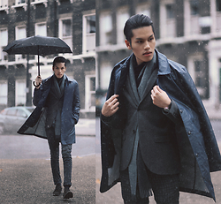 Mike Quyen -  - The raincoat / quyenmike.com