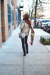 Lucy Liu - Burberry Scarf, H&M Coat, Alexander Wang Bag - Pre Winter