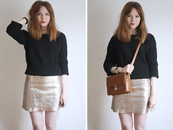 Rebekah D - Warehouse Skirt, Romwe Bag, & Other Stories Jumper - OOTD: The Metallic Mini