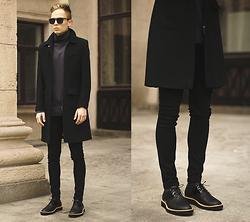 Daniil Shamatrin - Coat, Turtleneck Sweatshirt, Shoes - Soaring