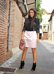 ManueLita - Mangano Jacket, Liu Jo T Shirt, Dolce & Gabbana Skirt, Giuseppe Zanotti Shoes, Jijill Bag - Pink and Black!!