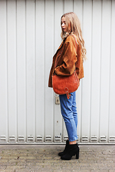 Lea . . . - Second Hand Vintage Jacket, Humana Denim, Bershka Boots - THE LAST GOODYBE