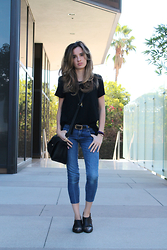 Liz Benichou - Kill City Destroyed T Shirt, Aqua Cropped Jeans, H&M Cut Off Western Boots, Chanel Vintage Belt, Zara Cross Body Bag - Jeans And A T-Shirt