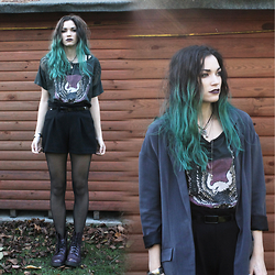 Amber Dennett - Denim And Supply Lace T Shirt, Wearall Black Shorts, Dr. Martens Doc - Winter Grunge