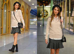 Stephanie Van Klev - United Colors Of Benetton Beret, Hallhuber Sweater, Miriam Ocariz Skirt, Jimmy Choo Combat Boots, Chanel Boybag - Très Chic