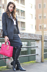 Melissa Cabrini - Christian Dior Bag, Zara Thigh Boots, Zara Skirt - How to wear thigh boots