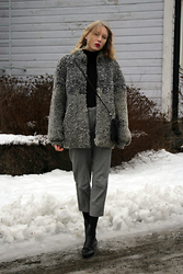 Iris H. - Zara Polo Shirt, Monki Bag, Weekday Trousers, Vagabond Shoes - FURRY COAT