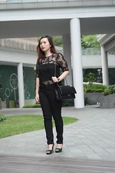 Prudence Yeo - L'zzie Sheer Lace Top, Lafibre Black Bag, Lowrys Farm Black Denim Legging - A Black Outfit
