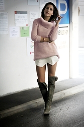 Anita Sookan - H&M Pastel Chunky Knit, Zara White Shorts, Dominici Grey Suede Overknees - Overknees and Chunky Knits