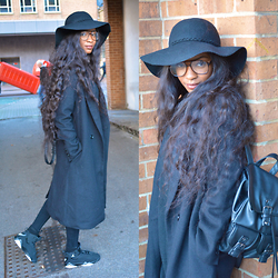 Mona Lee - Primark Hat, Zara Trench Coat, Topshop Jeans, Nike Jordans, Tjmaxx Backpack, Glasses - Black Print