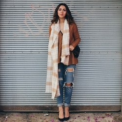 Duygu Trgt - Zara Jeans, Mango Heels, H&M Scarf - Your Style Your Rules