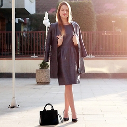 Ina Nuvo - Hallhuber Dress, Hallhuber Coat, Calvin Klein Bag, Buffalo Pumps - Indigo Love