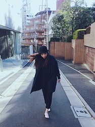 Ms.Kueen - Repetto Shoes, Monki Pants, Zara Top, Monki Outerwear, Regal Standards Hat - Kueen's Look
