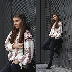 Larisa Costea - Diva Charms Blouse, Diva Charms Bag, Diva Charms Boots, Missguided Rings - Boho influences