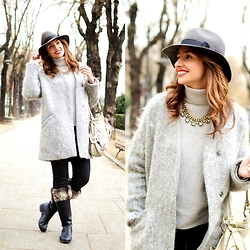 Silvia Rodriguez - Bdba Hat, Sfera Necklace, Zara Coat, Zara Sweater, Hunter Boots - Gray coat for winter