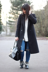 Karen Rakoto - Boots - Long coat
