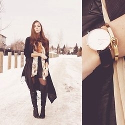 Breanne S. - Viva Blanca Buckle Bracelet, Steve Madden Thigh High Boots, Daniel Wellington Watch - Tenné