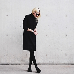 Blair B - Zara Dress, Daniel Wellington Watch, Duo Chelsea Boots - Black x
