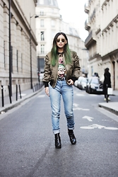 Rosa Pel - Zara High Waist Jeans, Missguided Bomber Jacket, High Heels Suicide Tee Shirt - The green hair