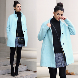 Vania - Zara Coat, Mango Shoes, Michael Kors Bag - The Vibe