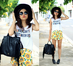 Glena Martins - My Shoes Itu Bag, Uh Lalah Top, Oasap Sunflowers Shorts, Zerouv Sunnies - You can't sit with us!