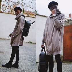 Marc-Henri Ngandu - Zara Black Backpack, H&M Melon Hat, Nike Black Air Force One Low, H&M Skinny Jeans, Zara Vest - Nomad.