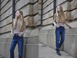 Dominica Justyna - Won Hundred Jeans, Tommy Hilfiger Sweater, Tous Earrings, Tommy Hilfiger Boots - Movesfashion.com