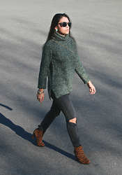 Natalia M - Oasap Animal Print Sunnies, Oasap Green Turtle Neck Sweater, Pull & Bear Ripped Jeans, Zara Leopard Booties - GREEN SWEATER