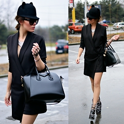Paris Sue - Givenchy Bag, Jessicabuurman Boots, Prada Sunnies, Choies Hat - Cause even stars they fade and colors turn to grey.