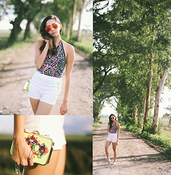 Tia Lacson - Ray Ban Sunglasses, Forever 21 Swimsuit, River Island Clutch - Out Of the Woods