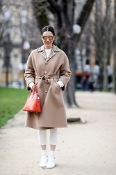 Diana Enciu - Moo Sunglasses, Louis Vuitton, Saint Laurent, Eugenia Enciu, H&M - Just Paris