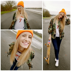 Sophie Eggleton - Mossimo Orange Beanie, Rokit Camo Jacket, Ny Knicks Basketball Top, Primark Blue Jeans, Primark White Canvas Trainers - I got knicked