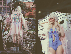 Rachel Lynch - Unif Unicorn Kimono, Dar Be Blue Swimsuit, Wildfox Hippie Blonde Sunnies - First born unicorn
