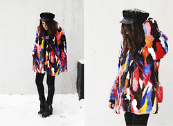 Manona Che - Story Of Lola Faux Fur Coat, Chicnova Hat, Zara Boots, Mango Sweatshirt - FAUX FUR MULTICOLOR COAT