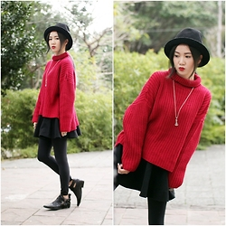 Crystii Lin - Queen Shop Red Sweater, Ca4la Hat, Chrome Hearts Necklace - Happy Sunday