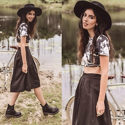 Elle-May Leckenby - The Stage Walk Floral Crop, Black Midi Skirt - Lone Ranger