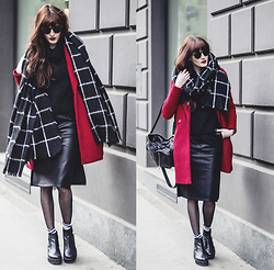Milkwoman Johana - Zara Red Coat, Zara Scarf, Vagabond Boots, Frontrowshop Leather Skirt, Topshop Backpack - Leather midi
