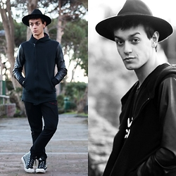 Marco Santoro - Rich Boy Sweatshirt, Zara Jeans - Black will never die