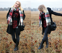Johanna L - Cubus Plaid Scarf, H&M Men's Plaid Shirt, Gina Tricot Worn Out Jeans, Boohoo Wool Coat, Mango Bag, Skobox Combat Boots - Mixing Plaid