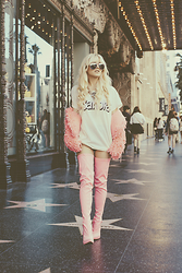 Rachel Lynch - Wildfox Pink Aviators, Wildfox Barbie Tee, Dusty Rose Vintage Pink Shag, Privileged Asia Boot - Hollywood barbie
