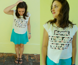 Thamiris Sgalbiero - C&A Top Cropped, Forever 21 Blue, Grendha Tribale - Dance like no one is watching