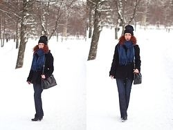 Anna Okonishnikova - Pieces Scarf, Prada Bag, Asos Beanie, Burberry Dufflecoat, Burberry Jeans, Hogan Boots - THE BEST SCARF EVER!