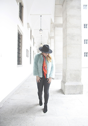 Jules - H&M Fedora Hat, Zara Faux Fur Jacket, Mango Shoes, Only Leggings, H&M Scarf - Fighting Winter Blues