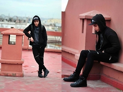 Reda Archane - H&M Black Jacket, Zara Black, Nike Airforce 1 Allblack, Zara Sweat, Teranova Bronx - 25tolife