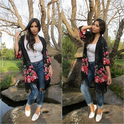 Brianna Ramirez - Divided Floral Kimono, Bebe White Tank, Bebe Boyfriend Jeans, Zara White Flats, Forever 21 Cresent Necklace, Cookie Lee Turquoise Pendent - Floral Fringe