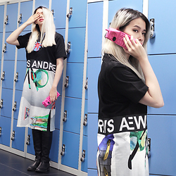 Cindy Karmoko - Steve Madden Boots, Moschino Barbie Iphone Case, Andrea Crews T Shirt Dress - What to wear to class?