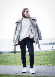 Jenaly Enns - Noul Shearling Coat, Forever 21 High Neck Oversized Sweater, J Brand Mid Rise Photo Ready Jeans, Zara Sneakers - Tucked in