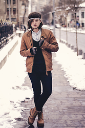 Sorin Marculescu - H&M Blue Shirt, H&M Black Jeans, Pull & Bear Brown Jacket - FROZEN