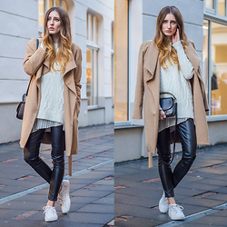 Lisa Fiege - Zara Sneakers, Mango Camel Coat, Zara Knit Sweater, Zara Leather Pants - Casual camel coat