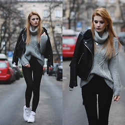 Katarzyna KOKA Konderak - Yoins Coat, Hair, Nike Shoes - Grey sweater.